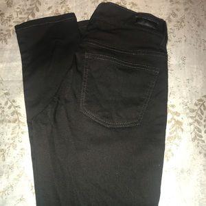 Buckle reserve black jeans EUC. Size 25R